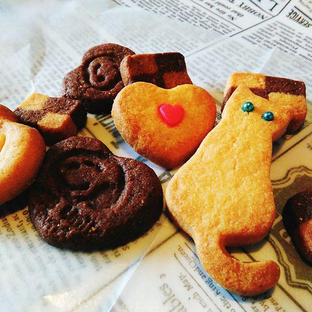 お客様から手作りの「友ちょこ」いただきましたいつもは作る側なので本当に嬉しいです(*^^*)今日のおやつにいただきます本日も皆様のご来店お待ちしております。#平野区 #パン屋 #鉄工所リノベーション #手作りクッキー