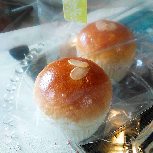 期間限定『夏パイン』果肉入りのパイナップルクリームが入ってます、冷やしても美味しくお召し上がりいただけます#平野区 #パン屋
