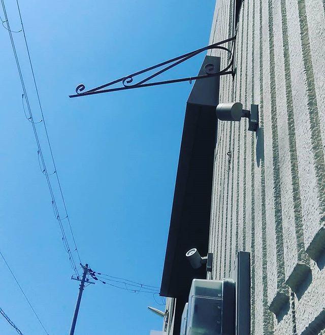 台風によりお店外の看板飛んでいきました看板ないですが、通常通り営業いたします!#平野区 #パン屋